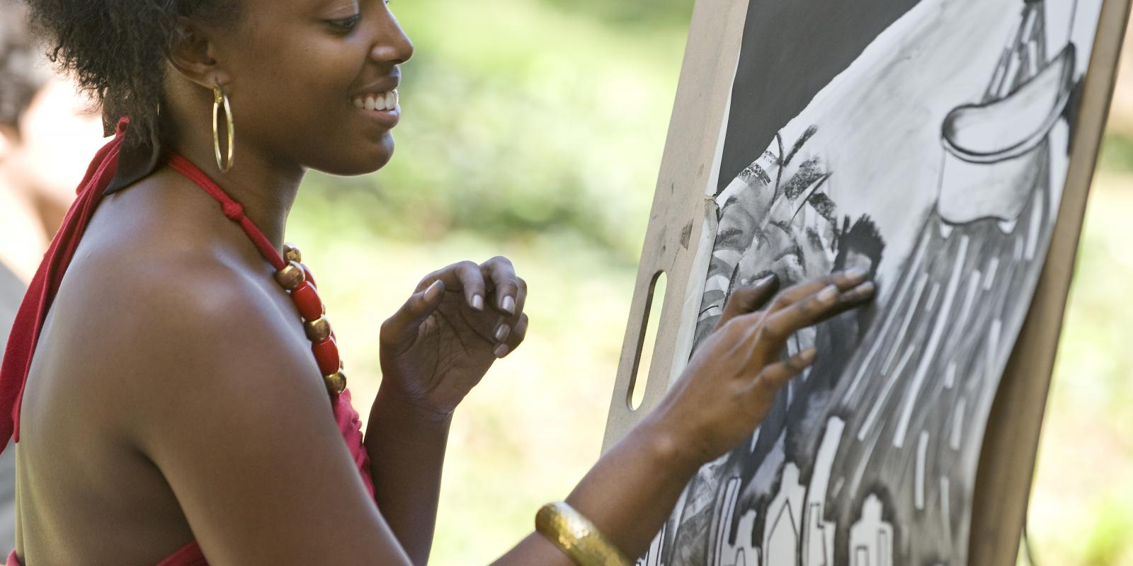 Life Drawing, one of the hands-on courses offered to Studio Arts Minors
