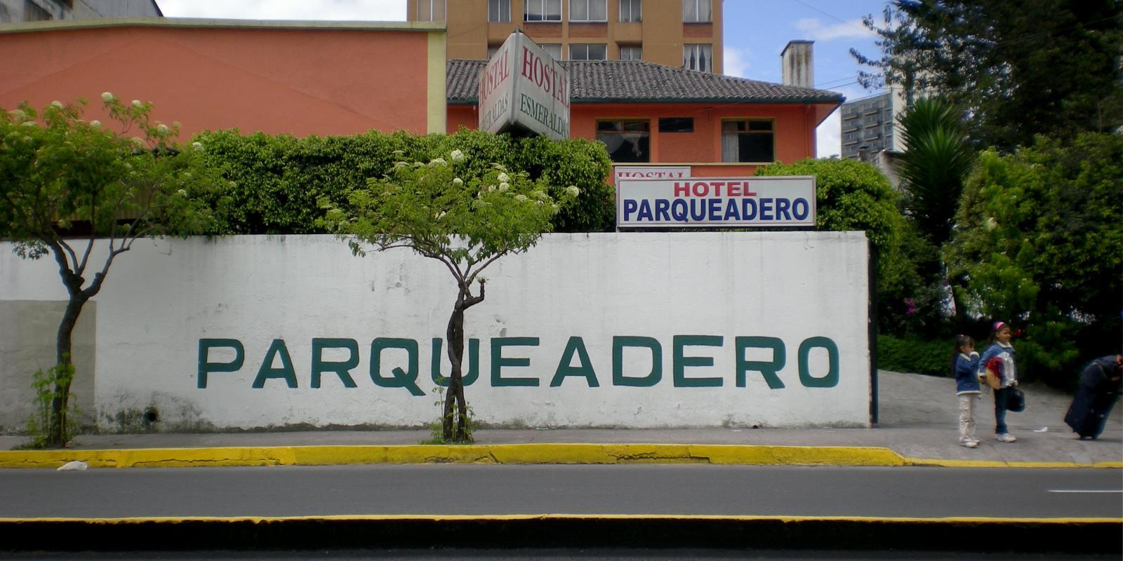 Parqueadero, Quito, Ecuador (2008)