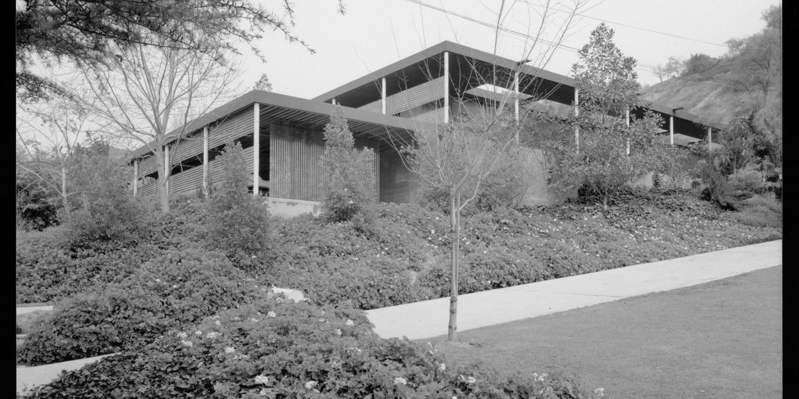 Schrage House, 1952. © J. Paul Getty Trust. Getty Research Institute, Los Angeles (2004.R.10)