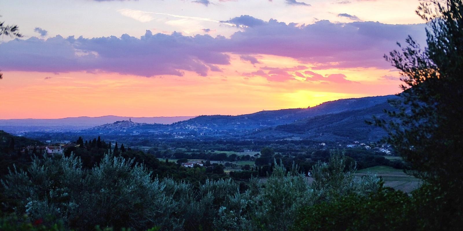 View across the Val di Chio to Castiglion Fiorentino.